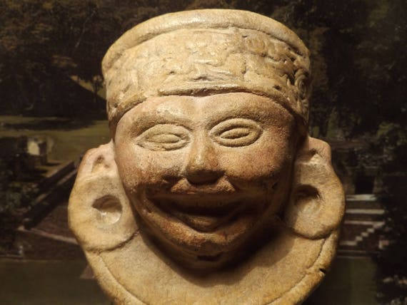 Pre-Columbian Mayan / Remojadas culture replica sculpture artifact. Mounted fragment or Wall feature display option.