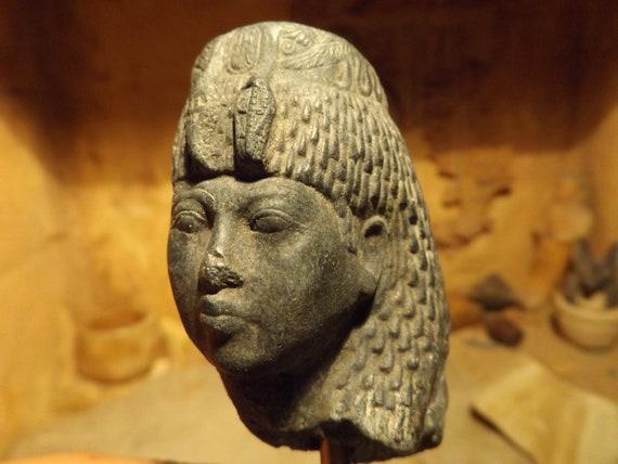 Egyptian statue / sculpture - Queen Tiye - 18th dynasty - Akhenaten's mother / Tut's Grandma