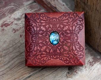 Wooden beautiful vintage jewelry box   custom keepsake box   box for rings