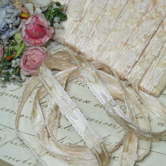 """1J 3/8"""" FRANÇAIS noeud pêche Satin Marguerite garniture rosace fleur ruban Ribbonwork Ombre Floral Jacquard mariage Vintage poupée robe Antique"""