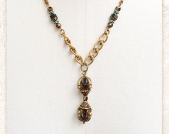 PENDANT NECKLACE : Vintage Brass w/ Fire Polished Czech Glass Beads