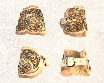 SHIELD BRACELET : Leather and Lace Cuff in Ivory & Vintage Brass