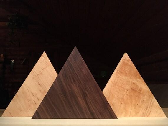 Triangle de tuiles en bois de noyer et érable massif art mural