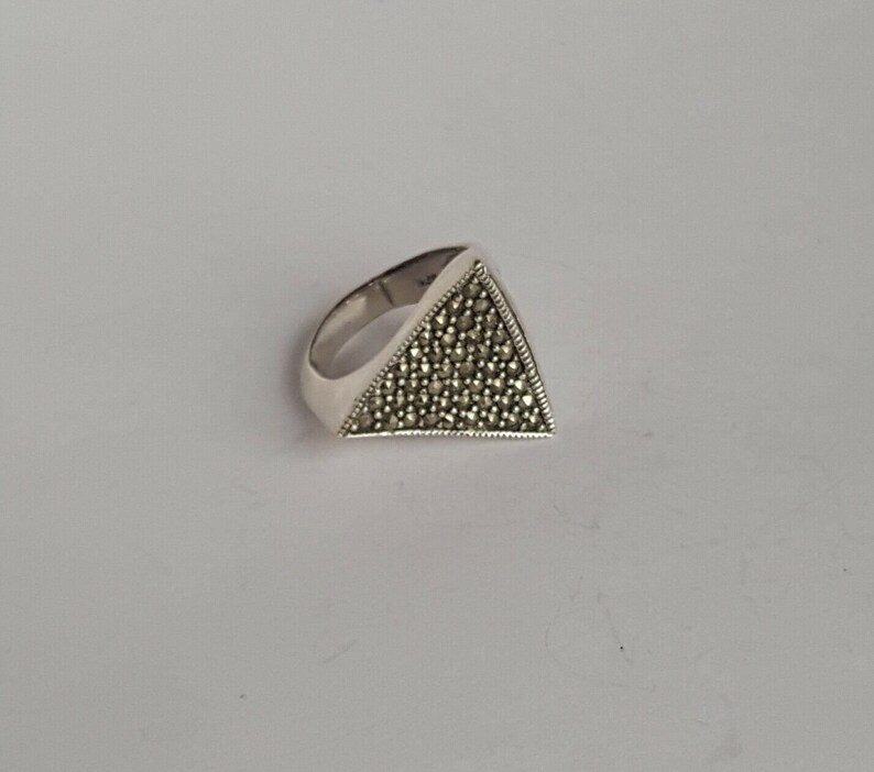 Beautiful Vintage Silver 925 Ring *TRIANGLE* w Marcasite