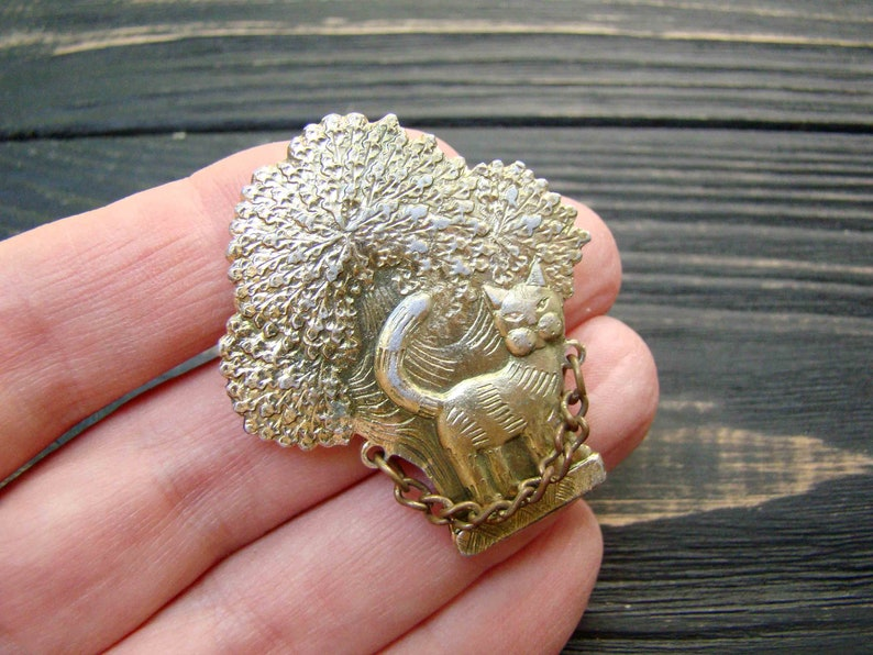 Cat brooch Pushkin Fairy Tale Cat Vintage Pin Kids pin Russian USSR Collectible Badge Metal Hipster gift Label pin button