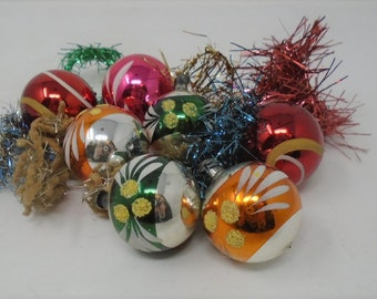 vintage assortment of christmas tree decorations glass 1950s baubles