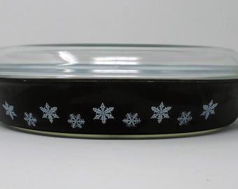 JAJ Black Divided Pyrex Lidded Gaiety Snowflake Casserole Dish