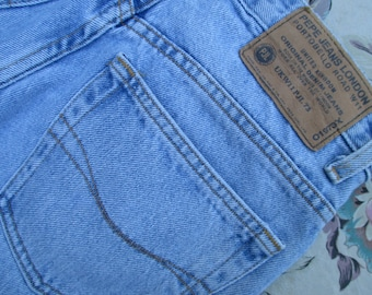 90s Pepe  Betty  Mom Jeans High Waist Tapered Leg Light Wash 1990s Era Blue  Jeans Pepe London 24187a419