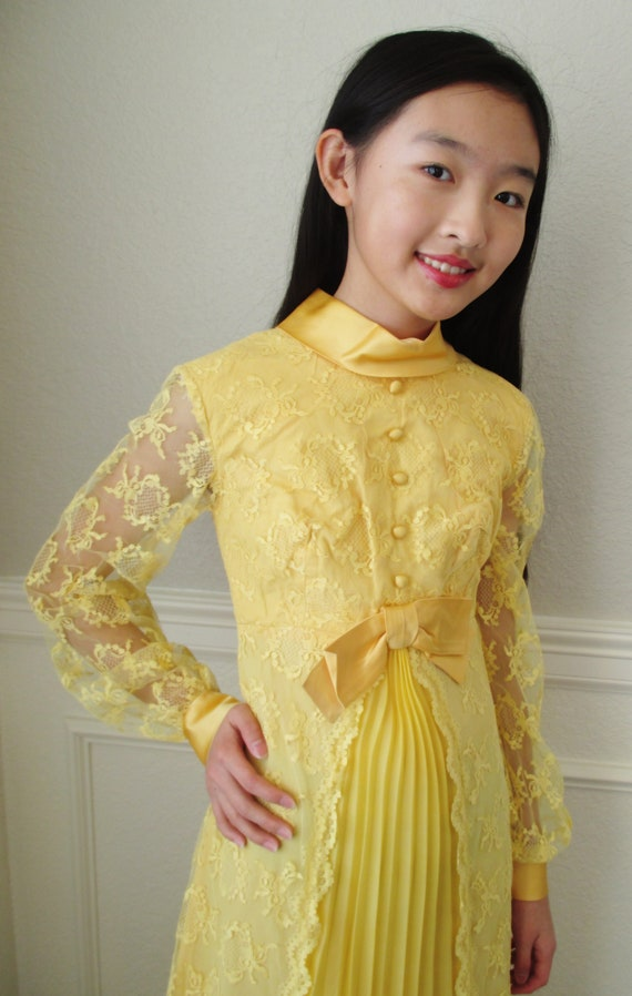 70s Yellow Lace Maxi Dress Long Sleeve Lace Shell Full Length Dress Pleated Front Sz Xxs