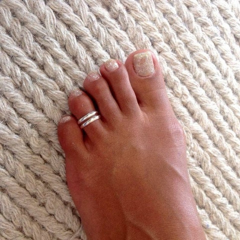 Beautiful Sterling Silver Toe Ring  Adjustable Toe Ring  image 0