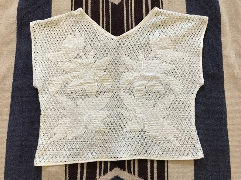 dee18f5b02ef4 VINTAGE 80s Open Weave Ivory Top Embroidered Floral Cream Off