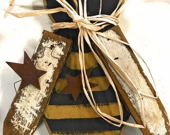 Bee decoration, bee hive, sign, wood bee, primitive decor, fall, autumn decor