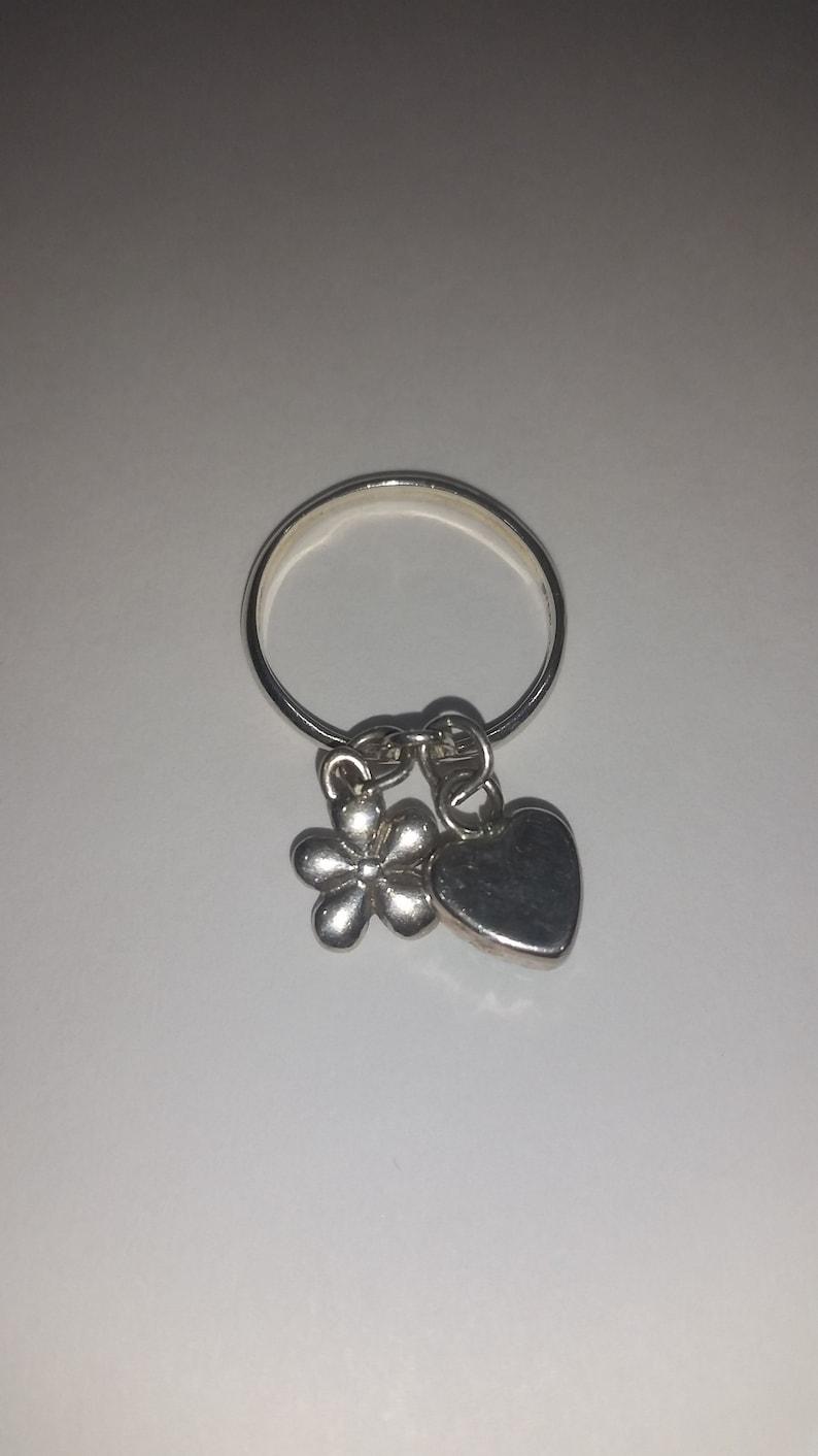 Vintage Sterling Charm Ring 925 Silver Size 8 Womens Girls Heart Flower Power Jewellery Jewelry Green Gemstone
