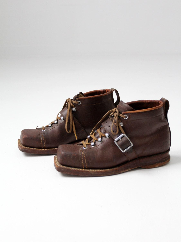 New 1930s Mens Fashion Ties Vintage Ski Boots, Mens Square Toe Leather Shoes, Size 11 $0.00 AT vintagedancer.com
