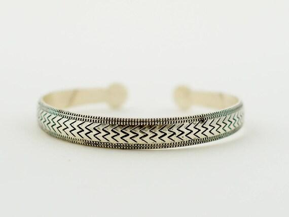 Chevron Printed Cuff Bracelet, Aztec Print, Geometric Bangle, Bohemian Cuff Bracelet, Silver Printed and Hammered Cuff Bracelet