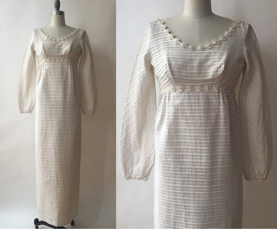 Vintage 1960s Cotton Bridal Gown/Daisy Trim/Bishop
