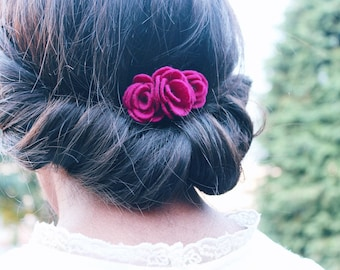 Felt flower hair comb made with 100% wool felt | quirky hair flowers for unique brides and bridesmaids | wedding guest hair accessories