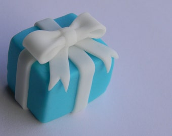 6 Gift Box Cupcake Toppers