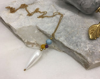 Aquamarine, yellow agate and amethyst cluster and white teardrop shell pearl pendant