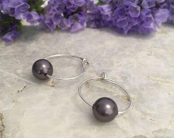 Grey shell pearl tiny hoops