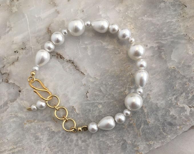 White sculptural shell bracelet
