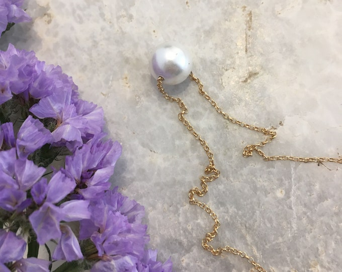 White shell pearl solitaire short necklace