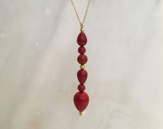 Red shell pearl sculptural pendant