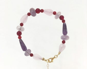 Amethyst, red agate and lilac jade bracelet