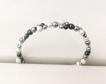 Shell and hematite cluster bracelet