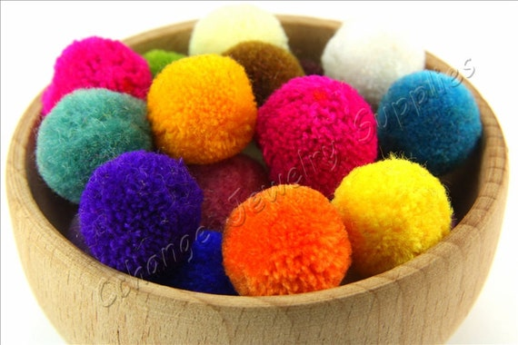 15mm pompoms packs of 50 various colours