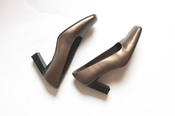gold stuart weitzman pumps // vintage square toe … - image 6
