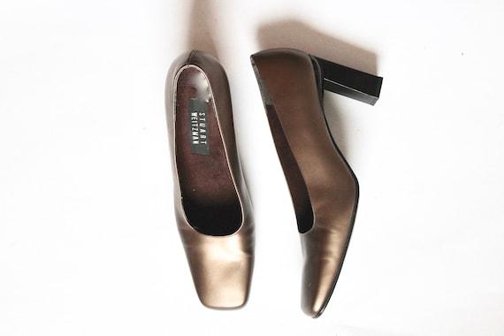 gold stuart weitzman pumps // vintage square toe b