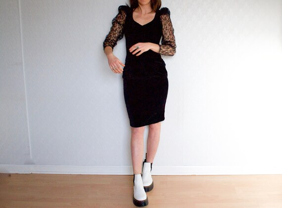 velvet and lace dress // vintage LBD // black penc