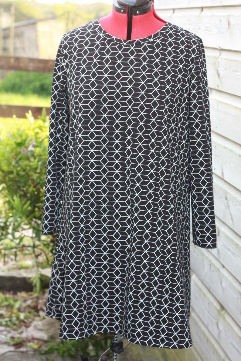 Monochrome dress scandi tunic black and white tunic UK14 image 0