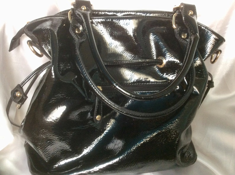 French vintage Fuchsia years 70.Chic black leather hand bag large lacquered T40x35 women