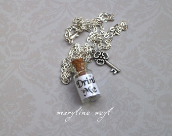 Necklace vial drink me white