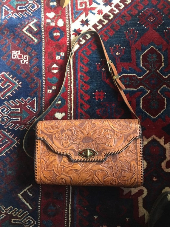 Immaculate Tooled Leather 70s Shoulder Bag Purse E