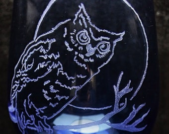 Moon and owl hand etched stemmed wine glass - barn owl, owl, nocturnal bird, wine glass, etched glass, holidays, weddings, gift