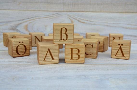 2 ' ' grote houten Duitse alfabet blokken ABC blokken terug naar school gepersonaliseerde gegraveerde brief kubus, verjaardag of baby shower gift