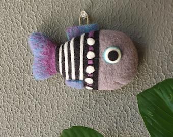 Needle Felted Wall Hang Fish (little - gray)