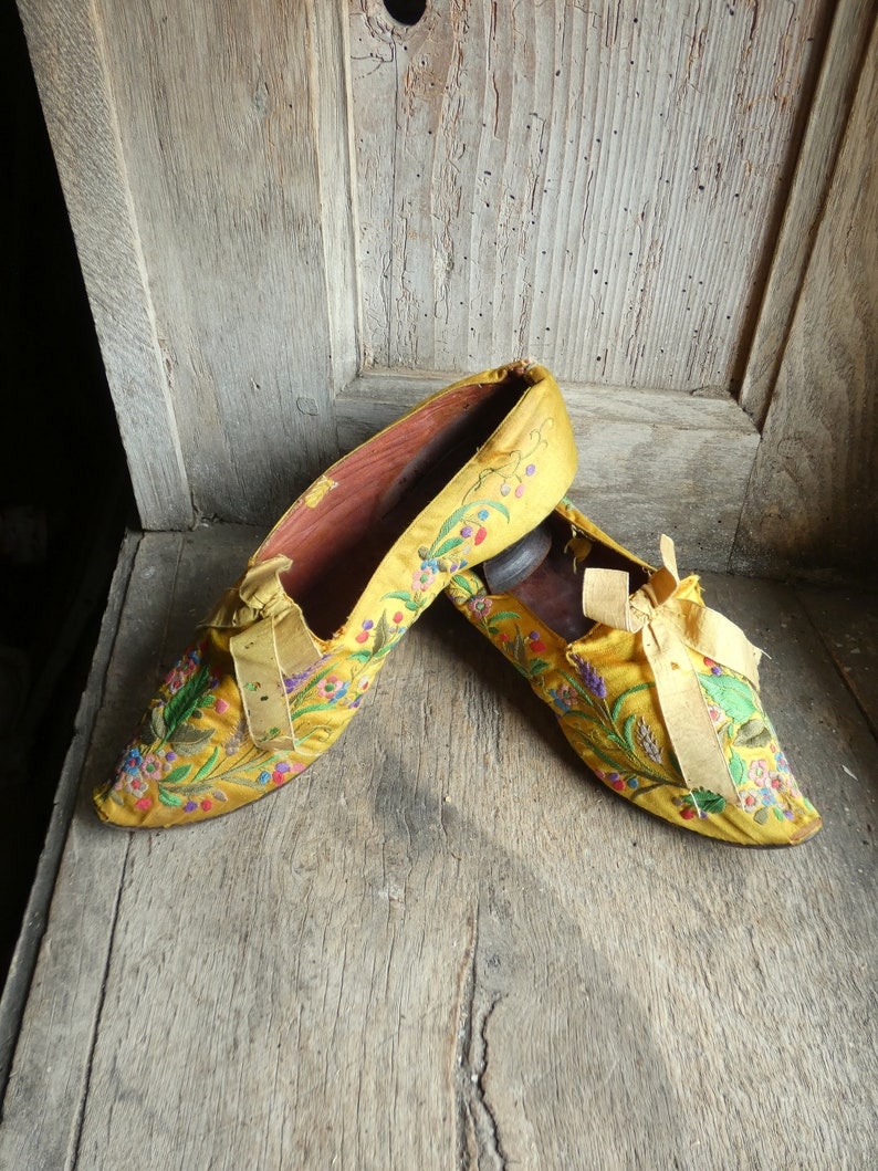 antique silk embroidered evening shoes image 0