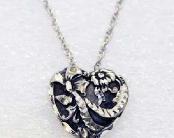 Silver Pewter Diamond Cut Handmade Heart Ribbons Necklace Jewelry