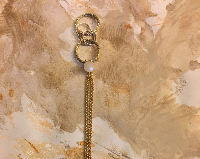Pendant Opal bead and golden color chain