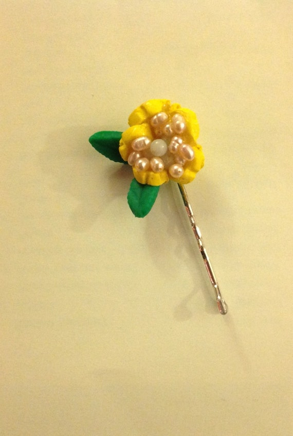 Hair poppy Hand made  from yellow clay and  pearl, and semiprecious stone jade  floral decorative