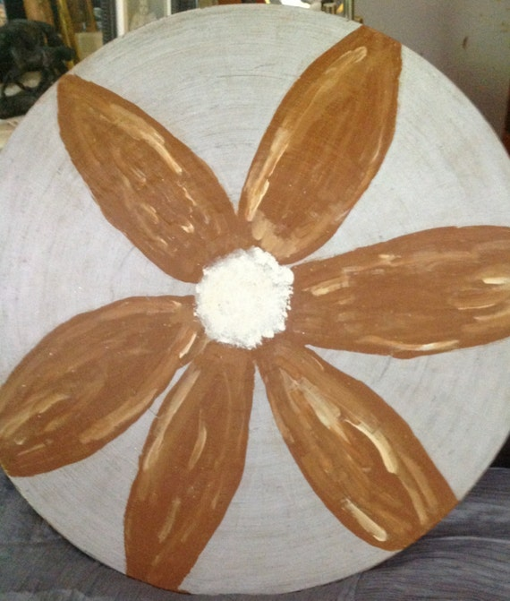 plate Hand painted in acrylic  brown,white  and siliver painting roundmore than 16 inch diamter