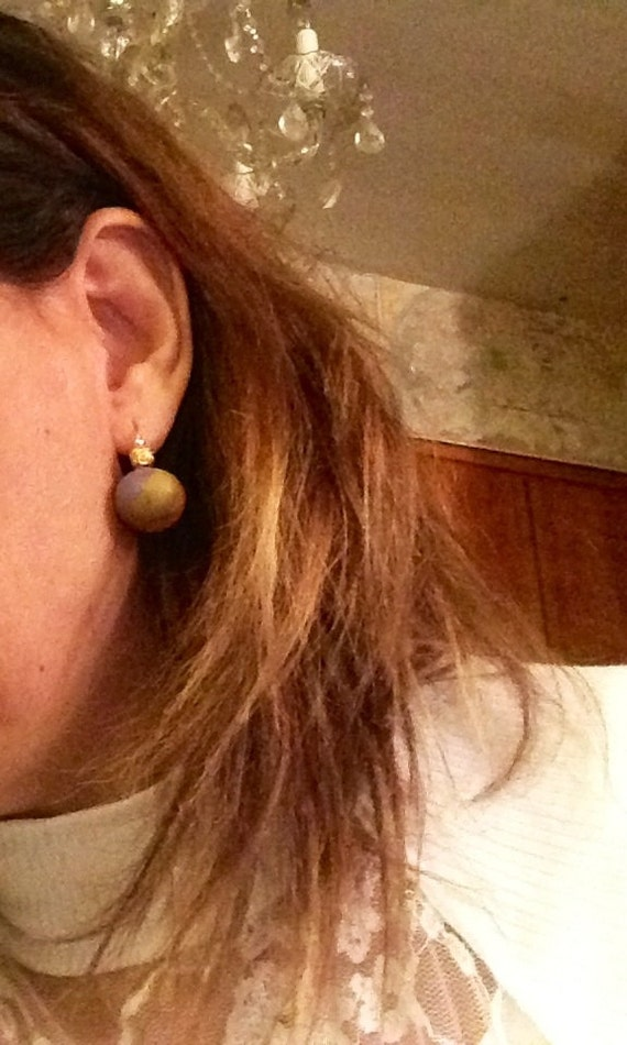 Earring marble color of olive green light purple and medium brown ball in copper , silver color tone  and 14 k gold metal