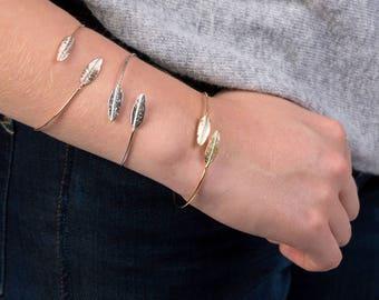 Delicate Feather Bangle