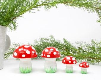 Wooden Mushroom set of 4, Mushroom toy, mushroom decoration, toadstool toy, winter mushroom, kids gift, kids Christmas, mushroom gift