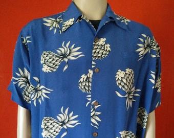 93f0c8c3 Hawaiian vintage style men's shirt Avanti silk Pineaples print size Large
