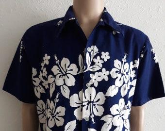 70e7730a Vintage men's blue floral hawaiian shirt by Ui-Maikai, made in Hawaii, USA  size large